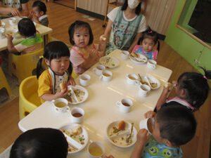 ちびっこらんど七里園 保育園 給食写真