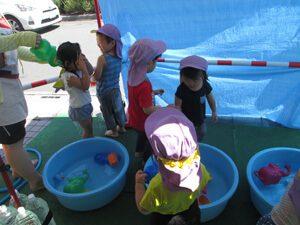 ちびっこらんど七里園 保育園 水遊び写真