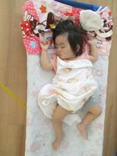 ちびっこらんど七里園 保育園 お昼寝の写真